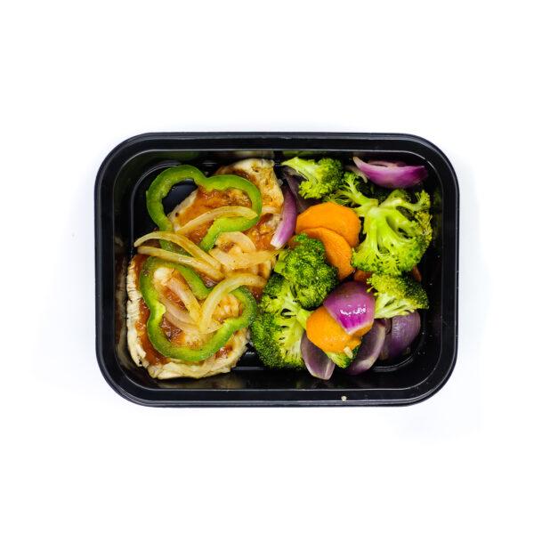 Peixe grelhado, arroz e mix de legumes 2