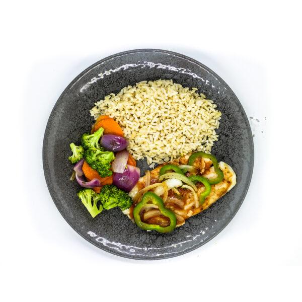 Peixe grelhado, arroz e mix de legumes 3