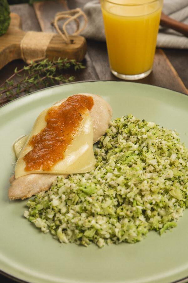 frango piazziolo com arroz de couve-flor